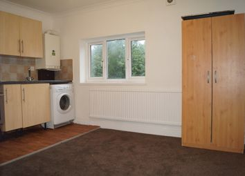 Thumbnail 2 bed flat to rent in Uplands Road, Romford