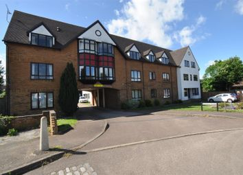 Thumbnail 2 bedroom flat for sale in Bidwell Close, Letchworth Garden City