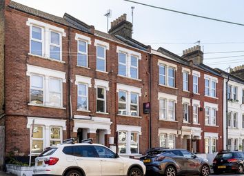 Southwell Rd, Camberwell SE5. 2 bed flat for sale
