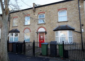 2 bed flat to rent in Acacia Road, Leytonstone E11