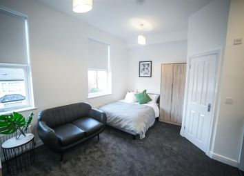 Thumbnail Room to rent in Vicarage Road, Smethwick