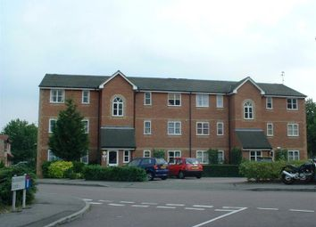 Thumbnail 2 bed flat to rent in Taunton Drive, East Finchley