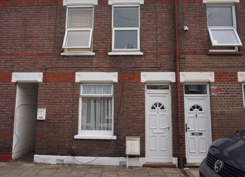 2 bed flat to rent in Frederick Street, Luton LU2