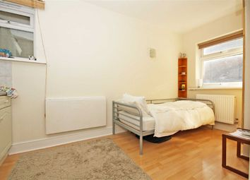 Thumbnail Studio to rent in Chiswick High Road, London