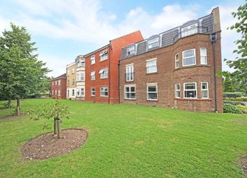 Thumbnail 2 bed flat to rent in Clarence Road, Windsor