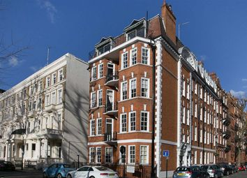 Thumbnail 4 bed flat to rent in Earl's Court Square, London