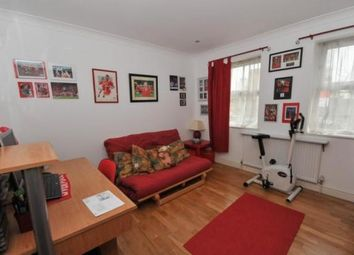 2 bed flat to rent in 36 Bloomfield Road, London SE18