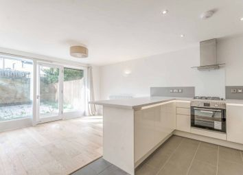 Thumbnail 1 bed flat to rent in Clephane Road, Islington, London