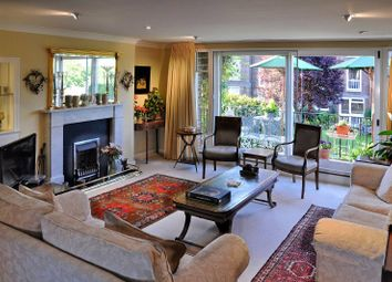 Thumbnail 4 bed flat to rent in Hartington Road, Chiswick, London