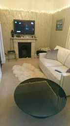 Thumbnail 1 bed flat to rent in Kings Ave, Clapham