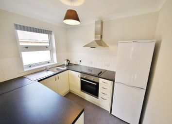 Thumbnail 1 bed flat to rent in Crescent Road, Brentwood