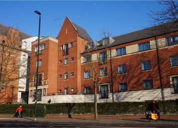 Thumbnail 2 bedroom flat to rent in 3 Manor Gardens, London