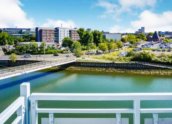 2 bed flat for sale in Compair Crescent, Ipswich IP2