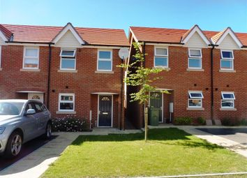 Thumbnail 2 bed property to rent in Kings Avenue, Ashford
