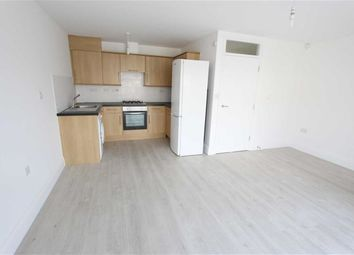 Thumbnail 2 bed flat to rent in Brook Crescent, London