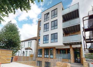 Thumbnail 1 bed flat to rent in Lennard Road, Croydon