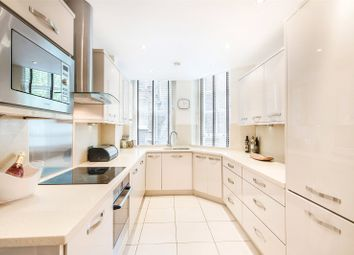 Thumbnail 4 bed flat to rent in Lincoln House, Basil Street, Knightsbridge, London