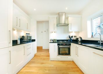 Thumbnail 2 bedroom flat to rent in Worple Road Mews, London