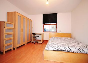 Thumbnail 4 bedroom property to rent in Summercourt Road, Limehouse