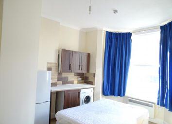 Thumbnail Room to rent in Woodside Croydon, Croydon