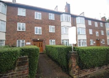 2 bed flat to rent in Brook Avenue, Edgware, Greater London. HA8