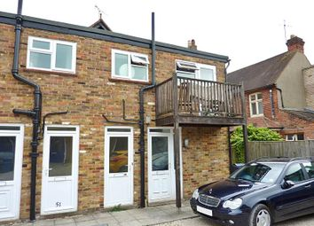 3 bed flat to rent in The Parade, Bourne End SL8