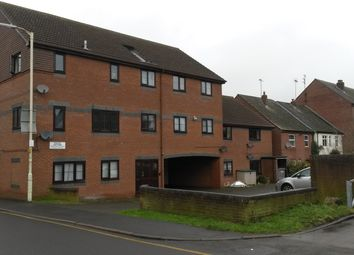 Thumbnail 2 bedroom flat to rent in Union Road, Dunstable