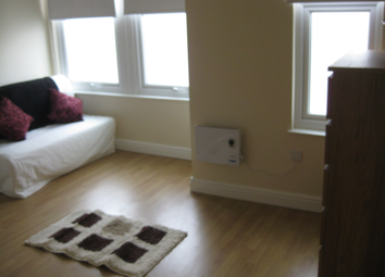 Thumbnail Room to rent in Kitchener Road, Thornton Heath