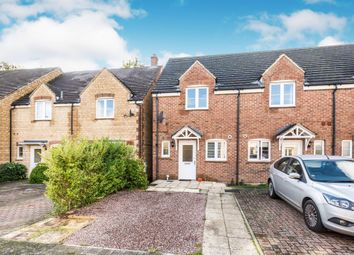 2 bed end terrace house for sale in Chamberlain Close, Carterton OX18