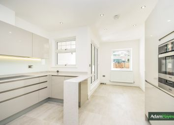 Thumbnail 3 bedroom flat for sale in Colney Hatch Lane, London