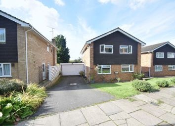 Thumbnail 4 bedroom detached house to rent in Chartwell Drive, Luton
