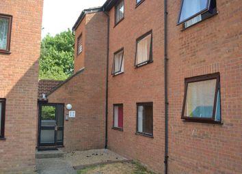 Thumbnail 2 bed flat to rent in Valley Green, Hemel Hempstead
