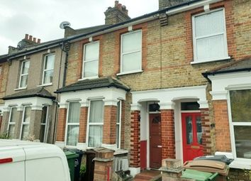 2 bed property to rent in Westward Road, London E4