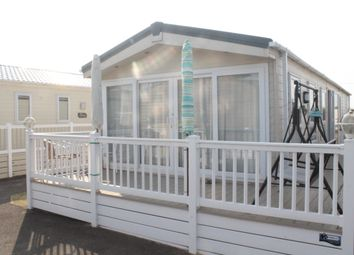 Thumbnail 2 bedroom mobile/park home for sale in Manor View, Felixstowe