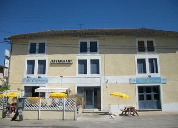 Thumbnail Restaurant/cafe for sale in Chabanais, Charente, France