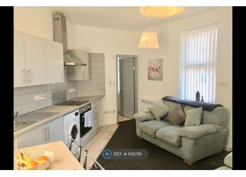 2 bed flat to rent in West Gorton, Manchester M12