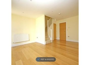 Thumbnail 2 bed flat to rent in Oval, London