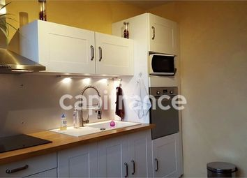 Thumbnail 2 bed apartment for sale in Poitou-Charentes, Vienne, Chatellerault
