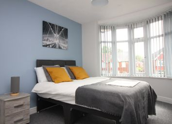 Thumbnail 5 bedroom shared accommodation to rent in Cliff Gardens, Scunthorpe