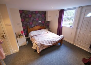 Thumbnail 6 bed terraced house to rent in Ash Road, Headingley, Leeds