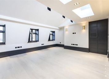 Thumbnail 2 bed flat to rent in King Street, Covent Garden