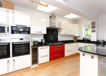 4 bed property to rent in Oxford Avenue, London SW20