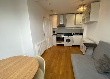 Thumbnail 2 bed flat to rent in Marlborough Road, Islington