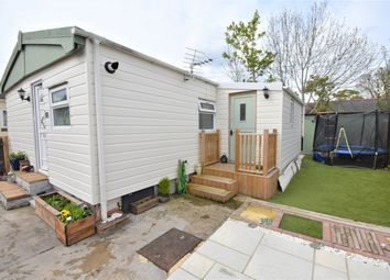 Thumbnail 3 bed mobile/park home for sale in Ladycroft Park, Blewbury, Didcot
