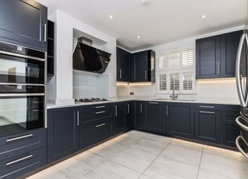 Thumbnail 2 bed flat to rent in Sternhold Avenue, London