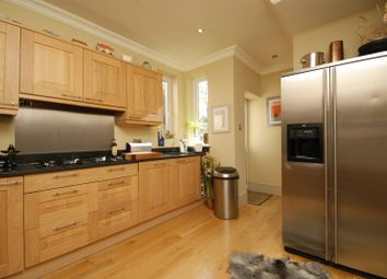 Thumbnail 1 bed flat to rent in Hoop Lane, Hampstead Garden Suburb