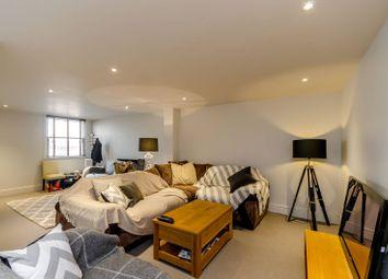 Thumbnail 3 bed maisonette for sale in Garratt Lane, Earlsfield