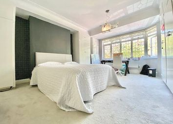 Thumbnail 5 bed end terrace house to rent in Charteris Road, Woodford