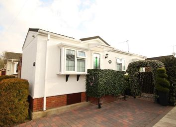 Thumbnail 1 bed mobile/park home for sale in Swiss Farm Park Homes, Marlow Road, Henley-On-Thames