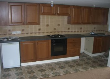 Thumbnail 1 bed flat to rent in Dewsbury Road, Leeds